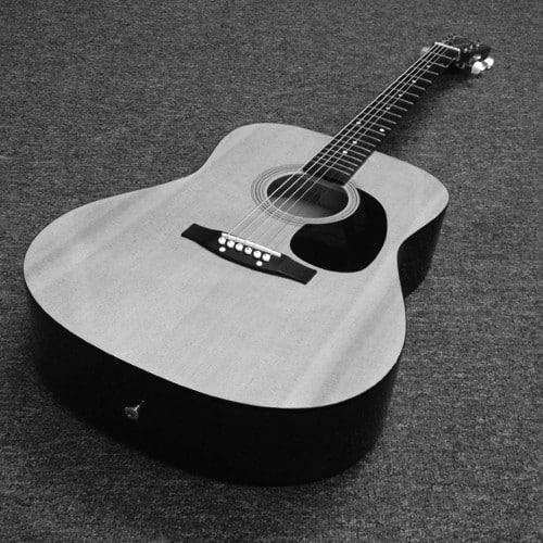 C Giant acoustic guitar